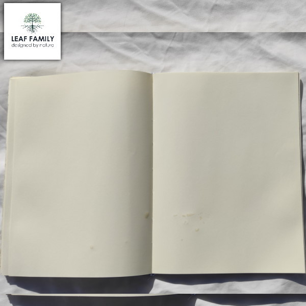 Veganes und nachhaltiges Notiz- und Tagebuch - Nachfüll-Paperback für Hülle aus Teakblatt-Blatt