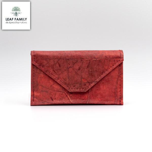 Vegane und nachhaltige Handtasche - schmal mit spitz zulaufender Lasche aus Teakblättern